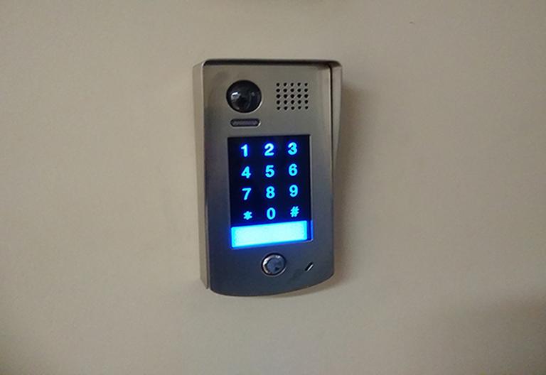 Εγκατάσταση access control με ηλεκτρομαγνήτη σε διαγνωστικό κέντρο